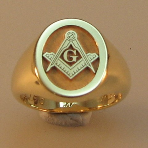 masonic relief engraved heavyweight 9ct gold signet ring